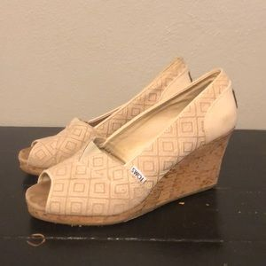 Toms Classic Wedge Pumps